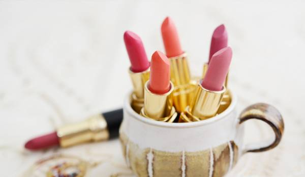 中国のオンライン化粧品市場で新たな成長をみせるリップケア化粧品