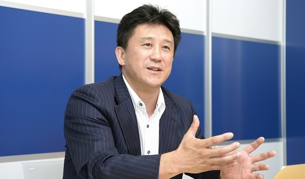 山崎常務の写真