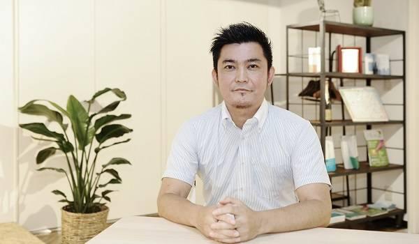 エフカフェ EC戦略Div. 統括ディレクター 佐藤 顯氏