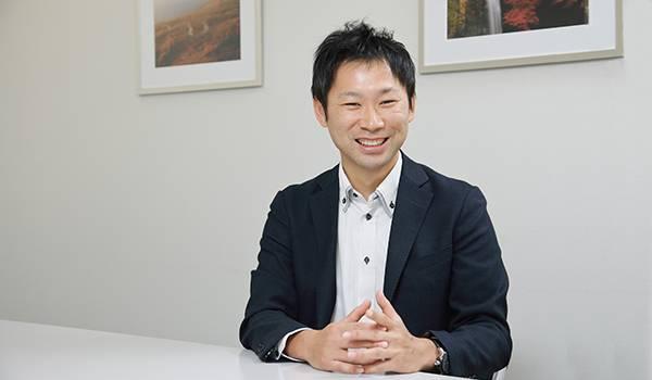 株式会社ナニワ商会 商材部 課長代理職 芝野浩二氏