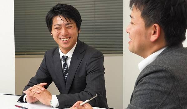 (左)株式会社ラクーン Paid事業推進部 小俣 淳氏